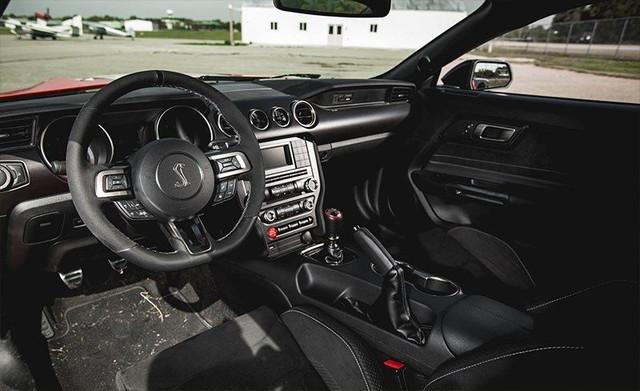 真正的野马!2018福特野马塞尔比 GT350R,怎一个帅字了得!