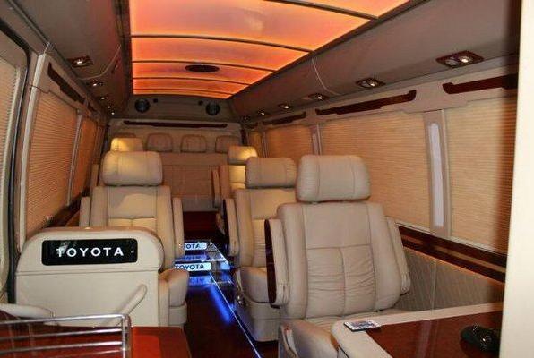丰田考斯特酒店专用接待车头等舱 14座至尊版多少钱